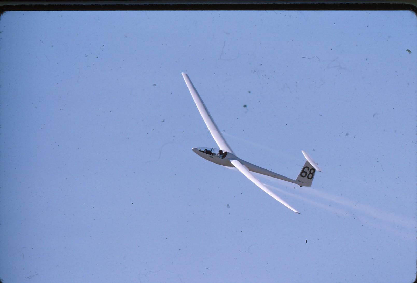 gliders briegleb 39 s aerodrome. Black Bedroom Furniture Sets. Home Design Ideas